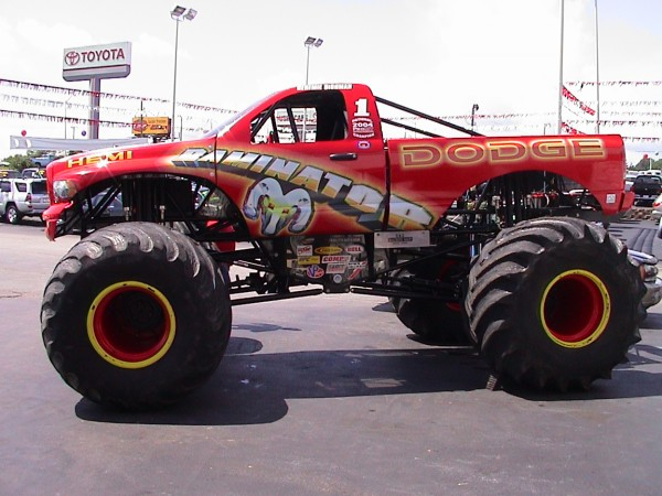 A Busy Weekend in the Monster Truck World